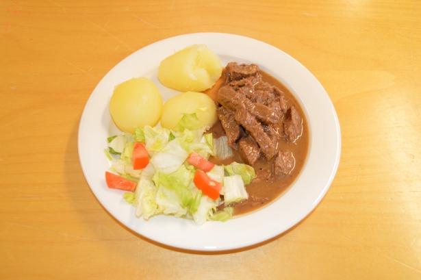 Vuoden 2017 karjalainen ruoka on viipurilainen stroganov.