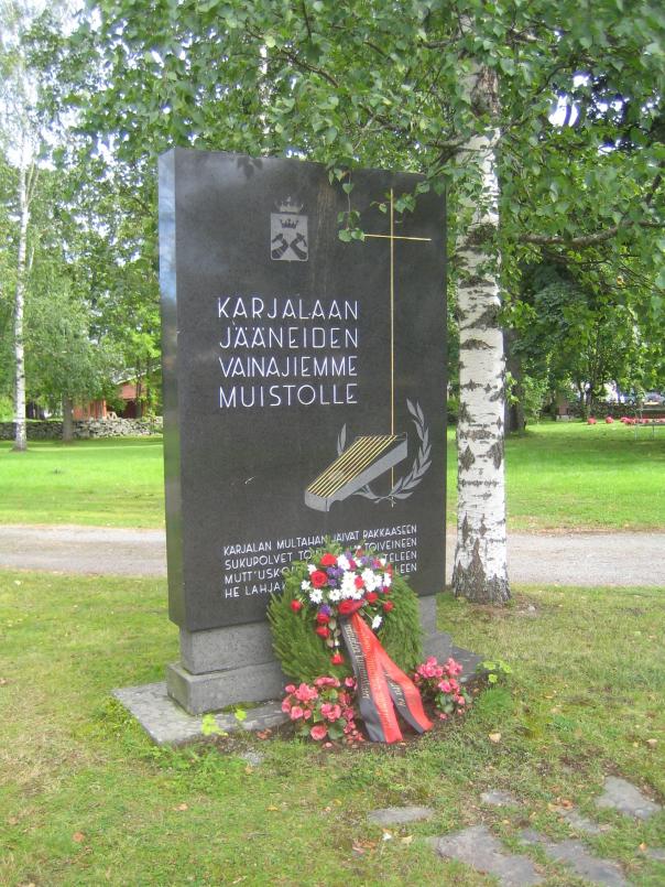 Karjalaan jääneiden vainajien muistomerkki Joroisilla.