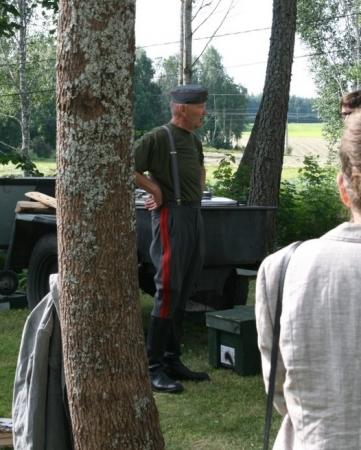 Kuva 6: Asemestari Matti Lappalainen muonavääpelinä