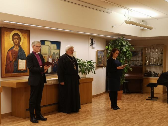 Kappeli vihittiin käyttöön Karjalatalon Yläsalissa. Vihkimisen suoritti piispa Seppo Häkkinen ja arkkipiispa Leo. Mukana Karjalan Liiton puheenjohtaja Outi Örn.