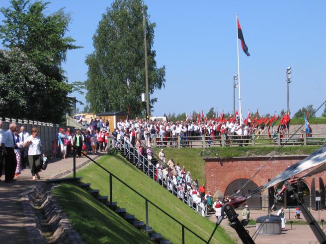 Karjalaiset kesäjuhlat Haminan Bastonissa 2006.