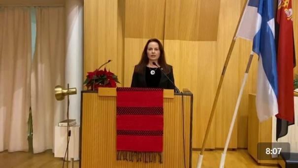 Karjalan Liiton puheenjohtaja Outi Örn puhui Talvisodan syttymisen muistotilaisuudessa Seinäjoella 30.11.2020.