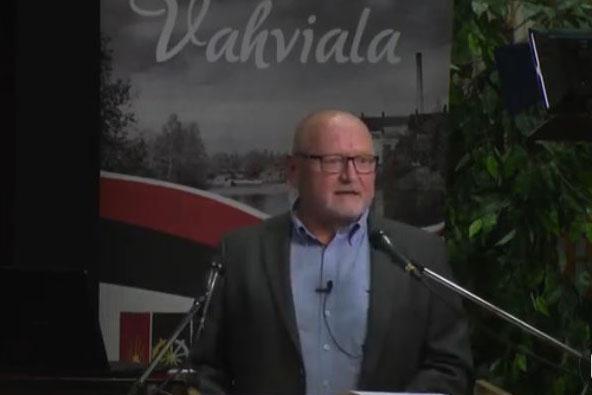 Vahvialan pitäjää esittelee Juha Henriksson.